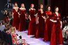 Áo dài Việt Nam lên sàn diễn tuần lễ thời trang New York