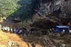 Huy động các lực lượng cứu 2 người mắc kẹt trong hầm vàng