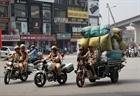 Xe tự chế vẫn đi đầy đường phố Hà Nội