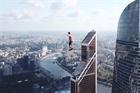 7 vận động viên lập kỷ lục thế giới đi trên dây cao 350 m