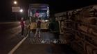 Bị xe tải đâm trực diện, 3 cha con thương vong