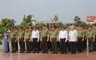 Đoàn đại biểu Bộ Công an dâng hoa tại Khu lưu niệm Sáu điều Bác Hồ dạy CAND