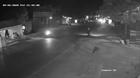 Phóng xe máy tốc độ kinh hoàng tông trực diện đầu ô tô