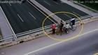 Nguy hiểm nạn ném đá vào xe lưu thông trên cao tốc
