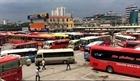 Hà Nội: Hành khách ra vào bến xe khai báo y tế qua ứng dụng NCOVI