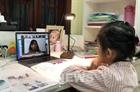Nhiều bỡ ngỡ khi học sinh lớp 1 học online