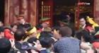 Cảnh giẫm đạp, ẩu đả cướp lộc ở hội đền Gióng