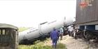 4 toa tàu bị lật khi đâm xe tải tại Nghệ An