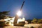 Triều Tiên thử nghiệm hệ thống phóng tên lửa đa nòng siêu lớn