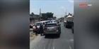Ô tô lấn làn, ép 2 xe cứu thương xuống vệ đường