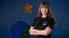 Cô gái ung thư xương chinh phục vũ trụ