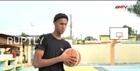 Nam sinh một tay chinh phục làng bóng rổ