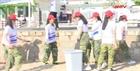 Đoàn viên thanh niên vệ sinh môi trường bờ biển Nha Trang