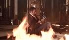 Phút giây nghẹt thở: Jake trong nhà kho bốc cháy