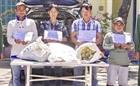 Bắt vụ vận chuyển 135 kg thuốc nổ trên xe du lịch