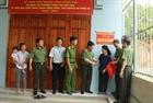 Thứ trưởng Bùi Văn Nam tặng nhà tình nghĩa tại Bắc Kạn