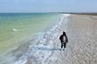 Hồ muối khổng lồ đủ cung cấp cho 6 tỷ người