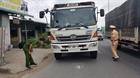 Va chạm giao thông, nam thanh niên bị xe tải cán qua người