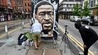 Nghệ sĩ đường phố vẽ tranh tưởng niệm George Floyd