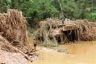 Hàng loạt cầu treo ở Tây Giang bị lũ cuốn