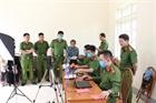 Lực lượng Công an căng mình cấp CCCD