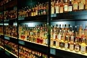 Thuốc lá và rượu nhập khẩu phải dán tem điện tử