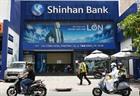 TP.HCM thông báo khẩn tìm người đến ngân hàng Shinhan