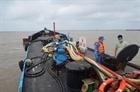 Tạm giữ 15.000 lít dầu DO không rõ nguồn gốc trên biển
