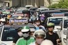 Hà Nội không cấp phù hiệu cho taxi ngoại tỉnh: Liệu có bình đẳng và giảm ùn tắc?