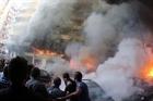 Israel bắt đầu không kích vào Gaza