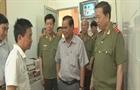 Bộ trưởng Bộ Công an thăm phó GĐ công an Đắk Lắk bị thương khi làm nhiệm vụ