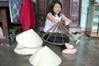 Nghị lực người phụ nữ tật nguyền với thương hiệu nón Thúy