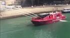 Mỹ dùng tàu cứu hỏa phun nước làm mát cầu do nắng nóng