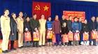Công an Quảng Ninh tặng quà Tết cho hộ nghèo