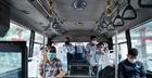 Xe bus chỉ chở 50% số chỗ, hành khách phải giãn cách