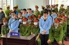 """Nhóm đối tượng được cán bộ xã """"dẫn đường"""" vào trụ sở phá két sắt"""