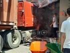 Container lao lên lề gây chết người