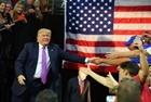 """Chính sách """"nước Mỹ trước tiên"""" sau chiến thắng của đảng Dân chủ"""