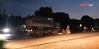 Nhặt củi giữa quốc lộ, người đàn ông bị xe tải tông tử vong
