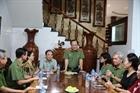 Trao Huân chương Quân công hạng Nhất cho nguyên Thứ trưởng Bùi Quang Bền