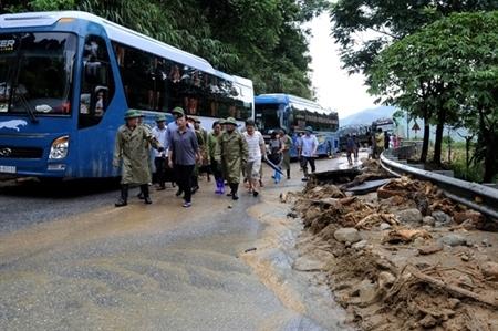 Hiểm nguy các cầu, ngầm tràn mùa mưa bão
