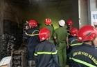 Cháy cơ sở ô tô, Cảnh sát PCCC cứu sống 2 người bị mắc kẹt