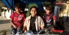 Bé gái Iraq chạy xe lam nhặt phế liệu nuôi gia đình