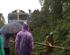 Tê liệt tuyến đường sắt Bắc Nam, hàng nghìn hành khách mắc kẹt