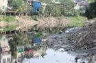 Có hay không việc UBND xã cho phép xả rác thải ra sông Nhuệ?