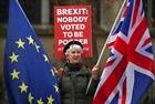 """Hộp Brexit - Sản phẩm """"ăn theo"""" việc Anh rời EU"""