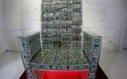 Ngai vàng làm từ 1 triệu USD tiền mặt của tỉ phú Nga