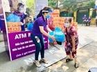 ATM mì và trứng hỗ trợ người khó khăn