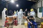Khẩn trương lấy mẫu xét nghiệm tại lò mổ lớn nhất Đà Nẵng