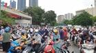 Tình trạng ùn tắc giao thông trước cổng trường ở Hà Nội